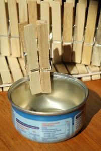 Photophore et cache pot en pinces linge on fait tout - Photophore boite de conserve ...